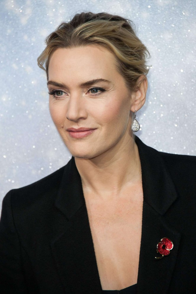 Kate Winslet: Opening the Christmas Shopping Window -19