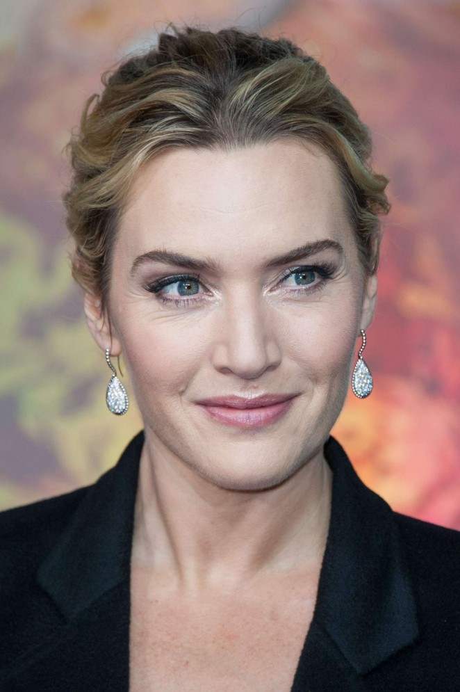 Kate Winslet: Opening the Christmas Shopping Window -20