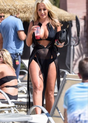Kate Wright: Filming TOWIE -01