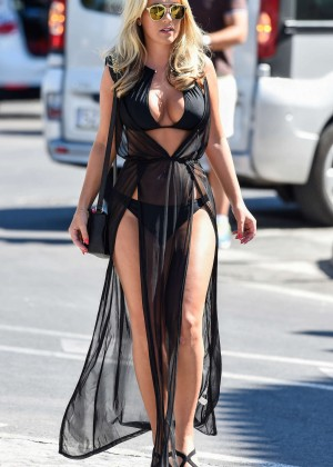 Kate Wright: Filming TOWIE -02