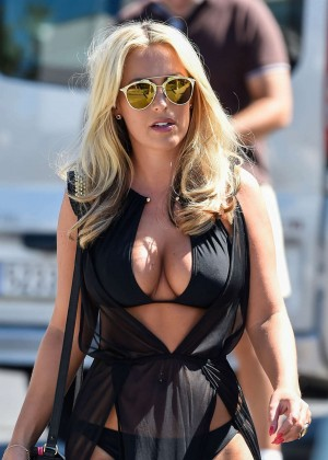Kate Wright: Filming TOWIE -12