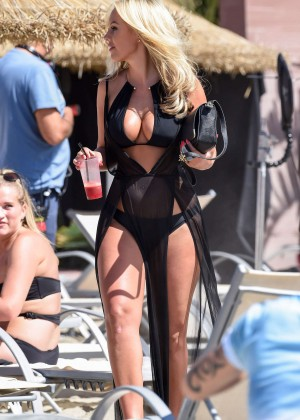 Kate Wright: Filming TOWIE -13