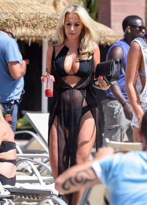 Kate Wright: Filming TOWIE -14