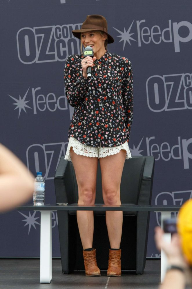 Katee Sackhoff: Panel at Oz Comic-Con 2016 -03