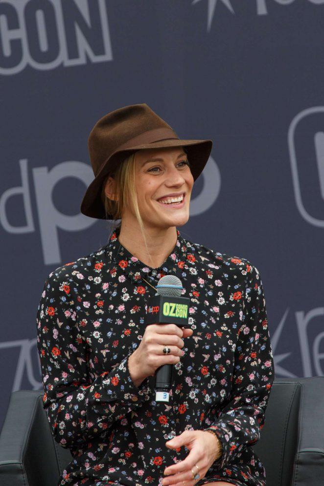 Katee Sackhoff: Panel at Oz Comic-Con 2016 -10