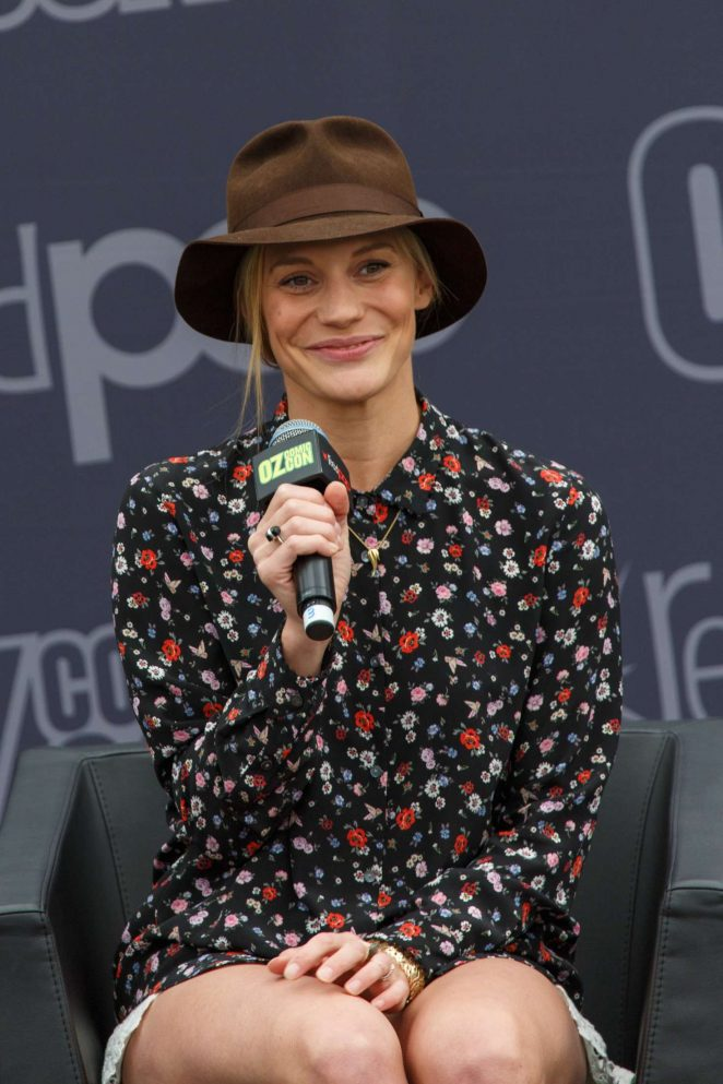 Katee Sackhoff: Panel at Oz Comic-Con 2016 -19