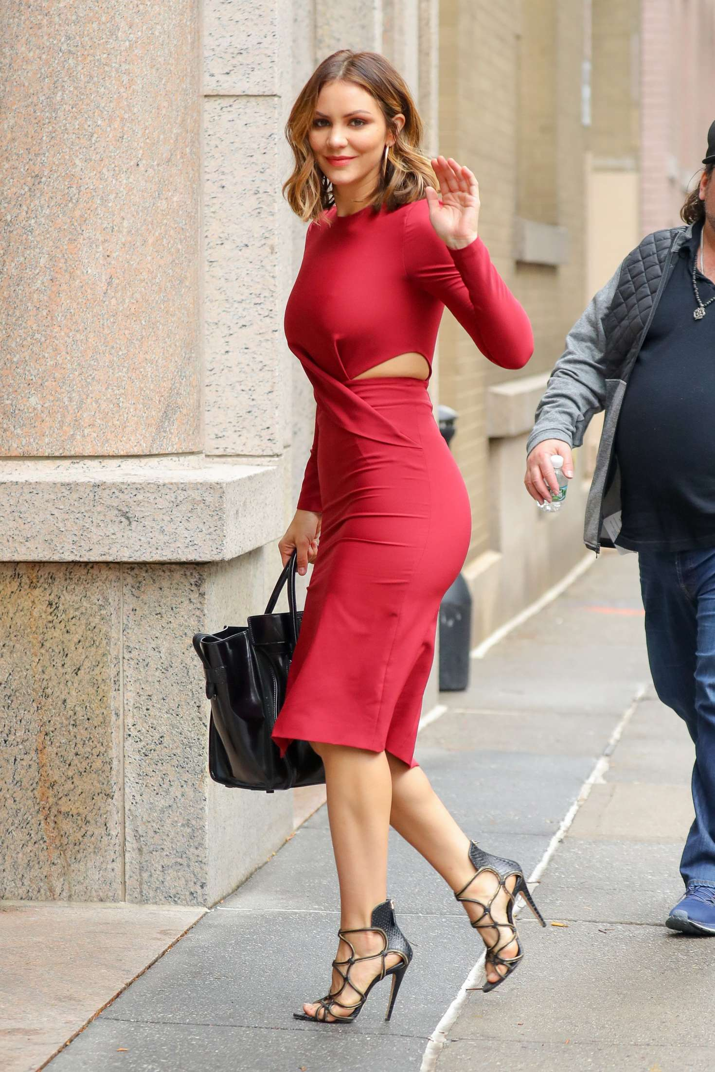 20 Square Metres Katharine Mcphee In Red Dress At Abc Studios In New York