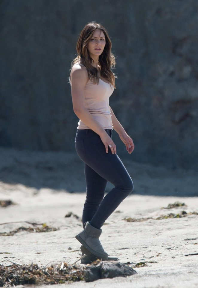 Katharine McPhee on the set of Scorpion -31