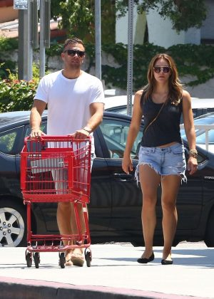 Katharine McPhee - Shopping at Trader Joe's in Los Angeles