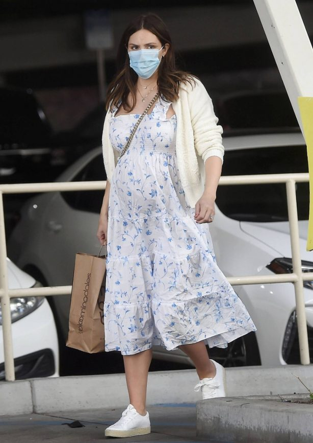 Katharine McPhee - SIn a white floral maternity dress at Bloomingdales in Sherman Oaks