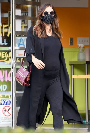 Katharine McPhee - Spotted at Starbucks in Studio City