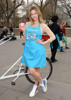 Katharine McPhee - The Body Shops new Body Yogurts mobile cart in New York