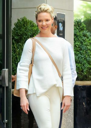 Katherine Heigl - Leaves a hotel in New York