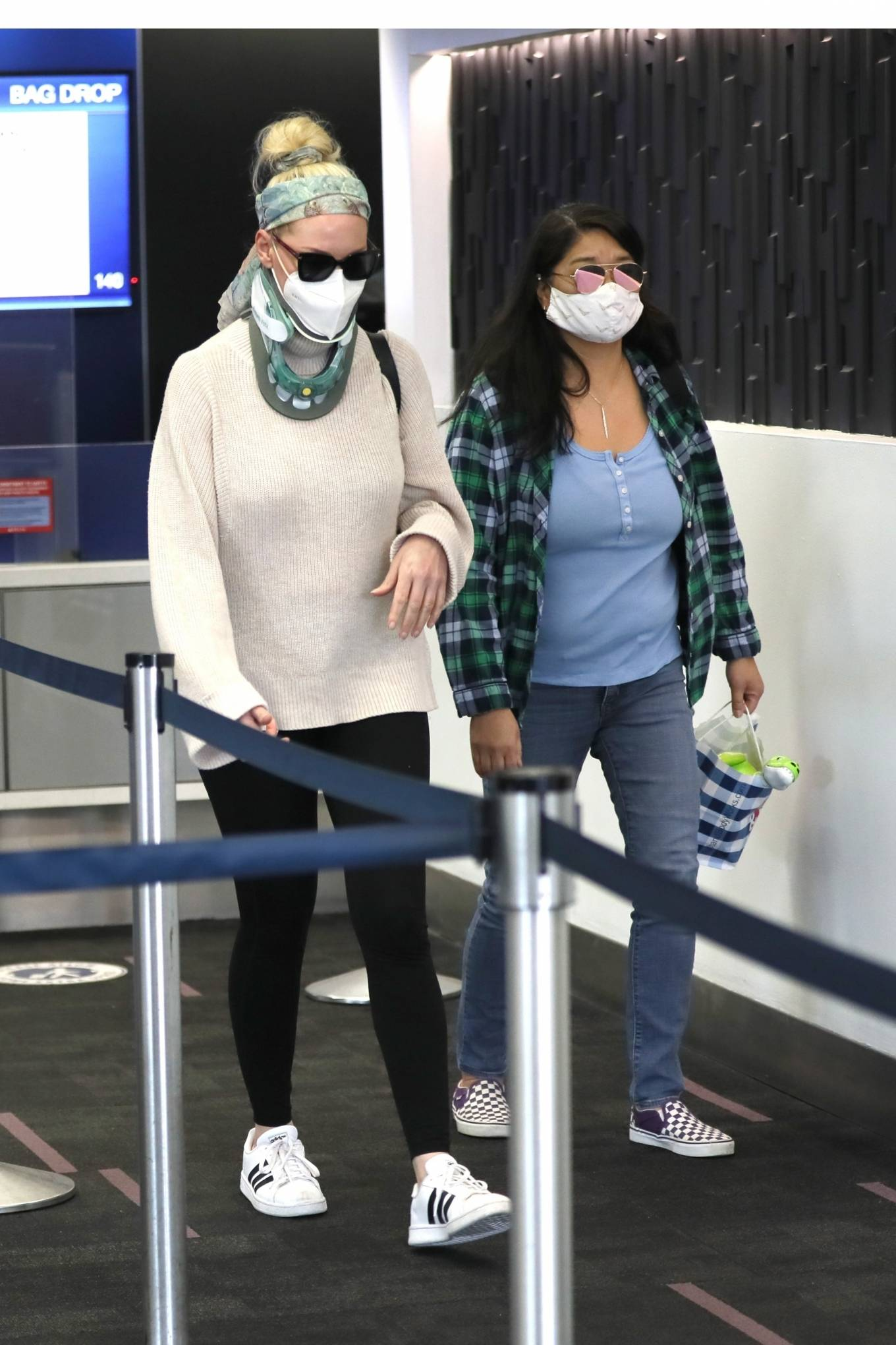 Katherine Heigl - Out in public for the first time after implanted two titanium disks in her neck