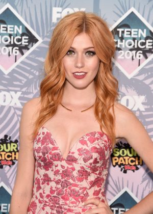 Katherine McNamara - Teen Choice Awards 2016 in Inglewood