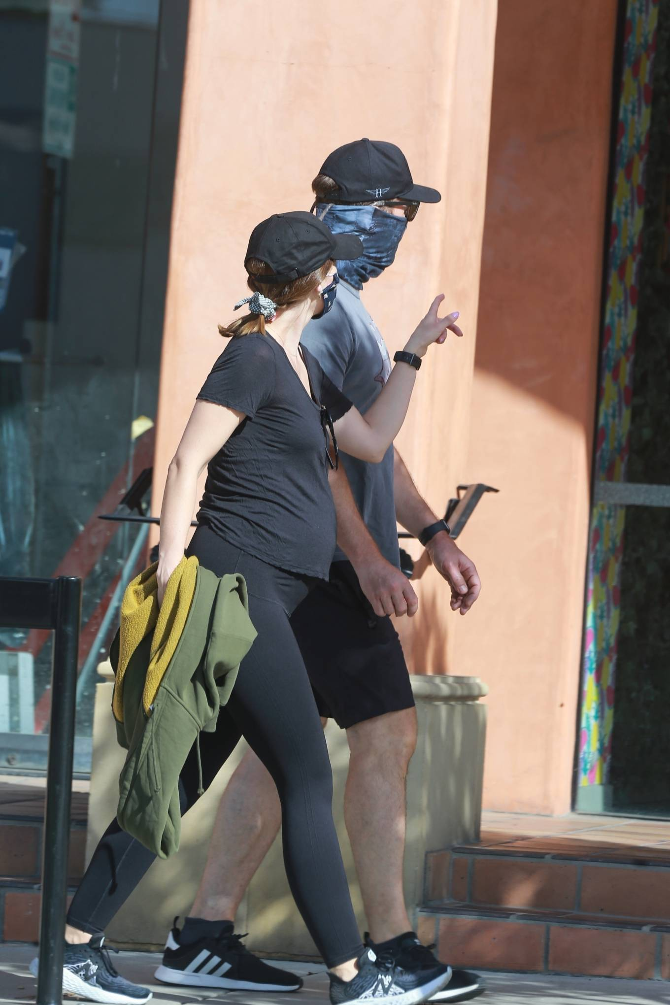 Katherine Schwarzenegger 2020 : Katherine Schwarzenegger and Chris Pratt – Goes out for a morning walk in Santa Monica-21