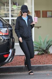 Katherine Schwarzenegger - Grabs a smoothie after pilates class in Brentwood