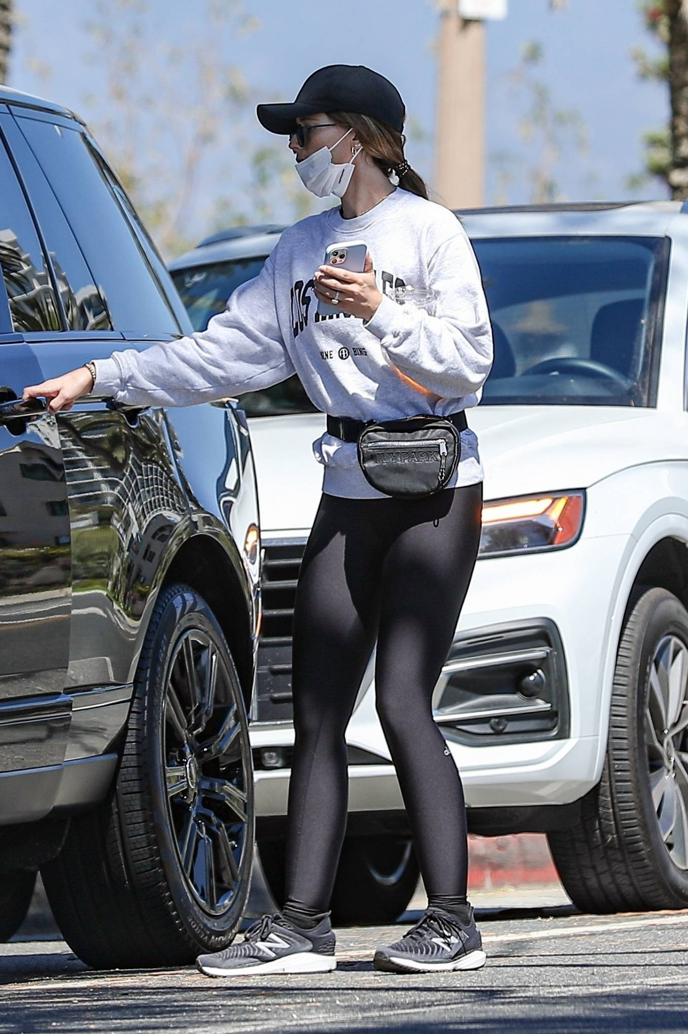 Katherine Schwarzenegger 2021 : Katherine Schwarzenegger – In yoga leggings while out and about in Sta. Monica-16