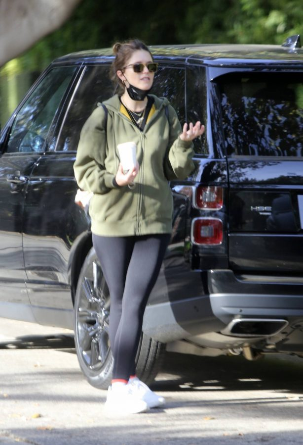 Katherine Schwarzenegger - Leaves the baby home in Los Angeles