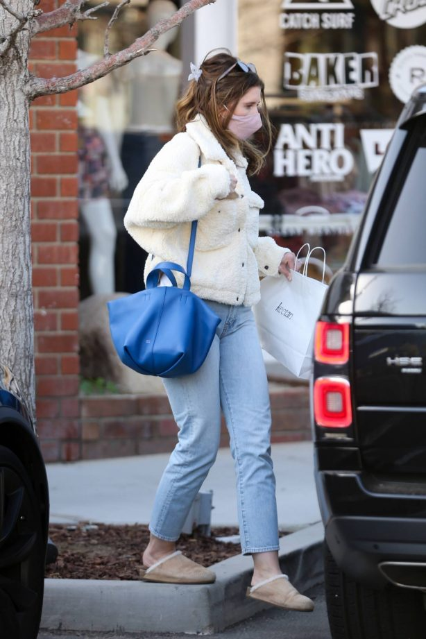 Katherine Schwarzenegger - Shopping candids at Baby retail store Keetan in the Palisades
