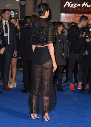 Sofia Richie I >> Katherine Waterston - 'Fantastic Beasts and Where To Find Them' Premiere in London