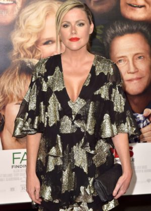 Kathleen Robertson - 'Father Figures' Premiere in Hollywood