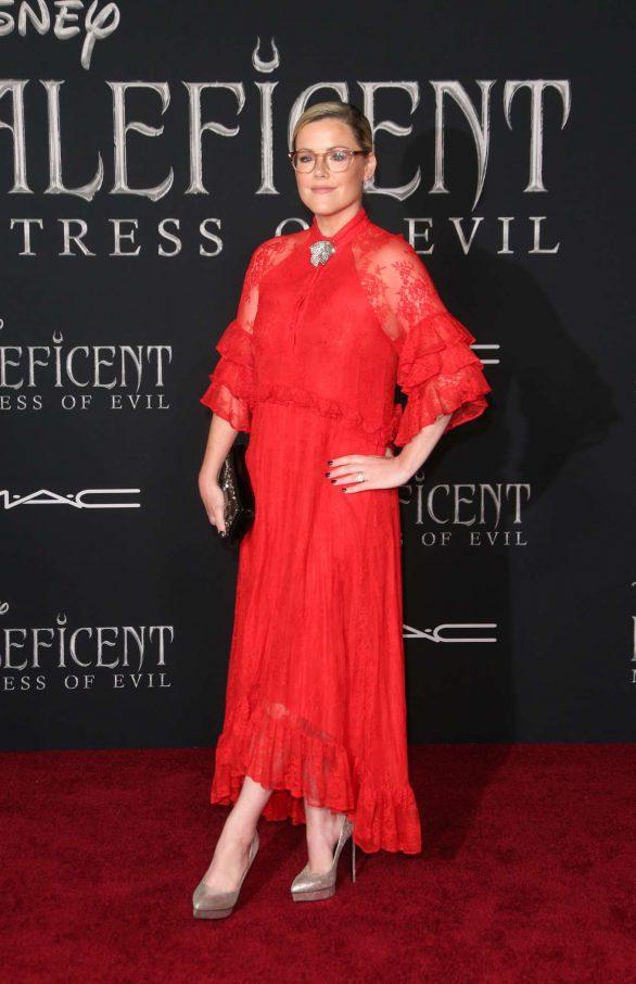 Kathleen Robertson Maleficent Mistress Of Evil La