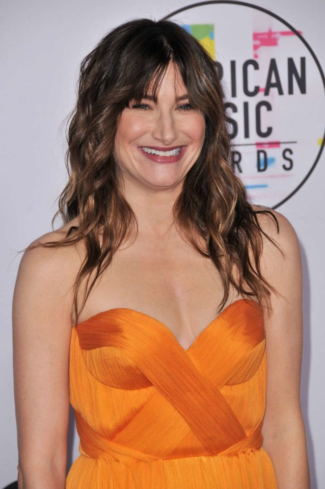 Kathryn Hahn - 2017 American Music Awards in Los Angeles