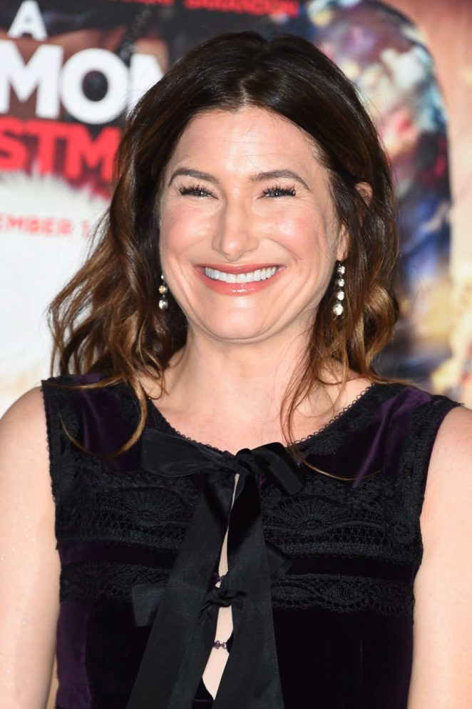 Kathryn Hahn - 'A Bad Mom's Christmas' Premiere in Westwood