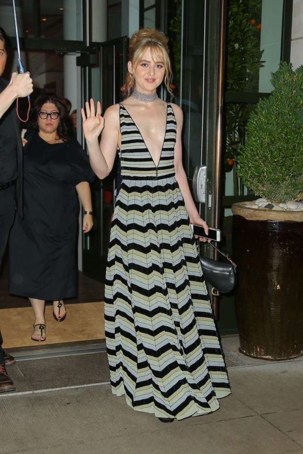 Kathryn Newton - Leaves her Hotel in NYC