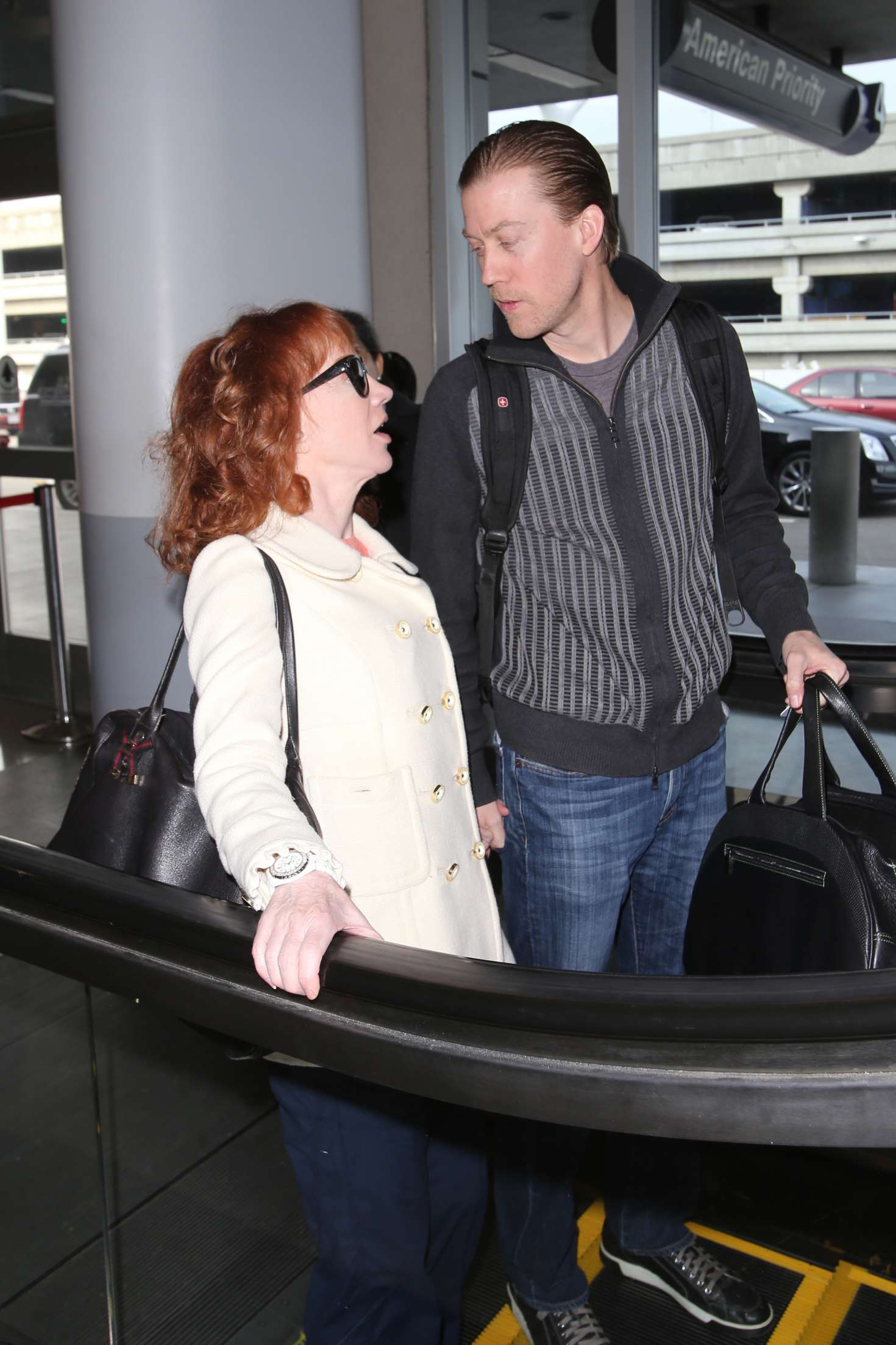 Kathy Griffin 2017 : Kathy Griffin: Arrives at LAX Airport -05