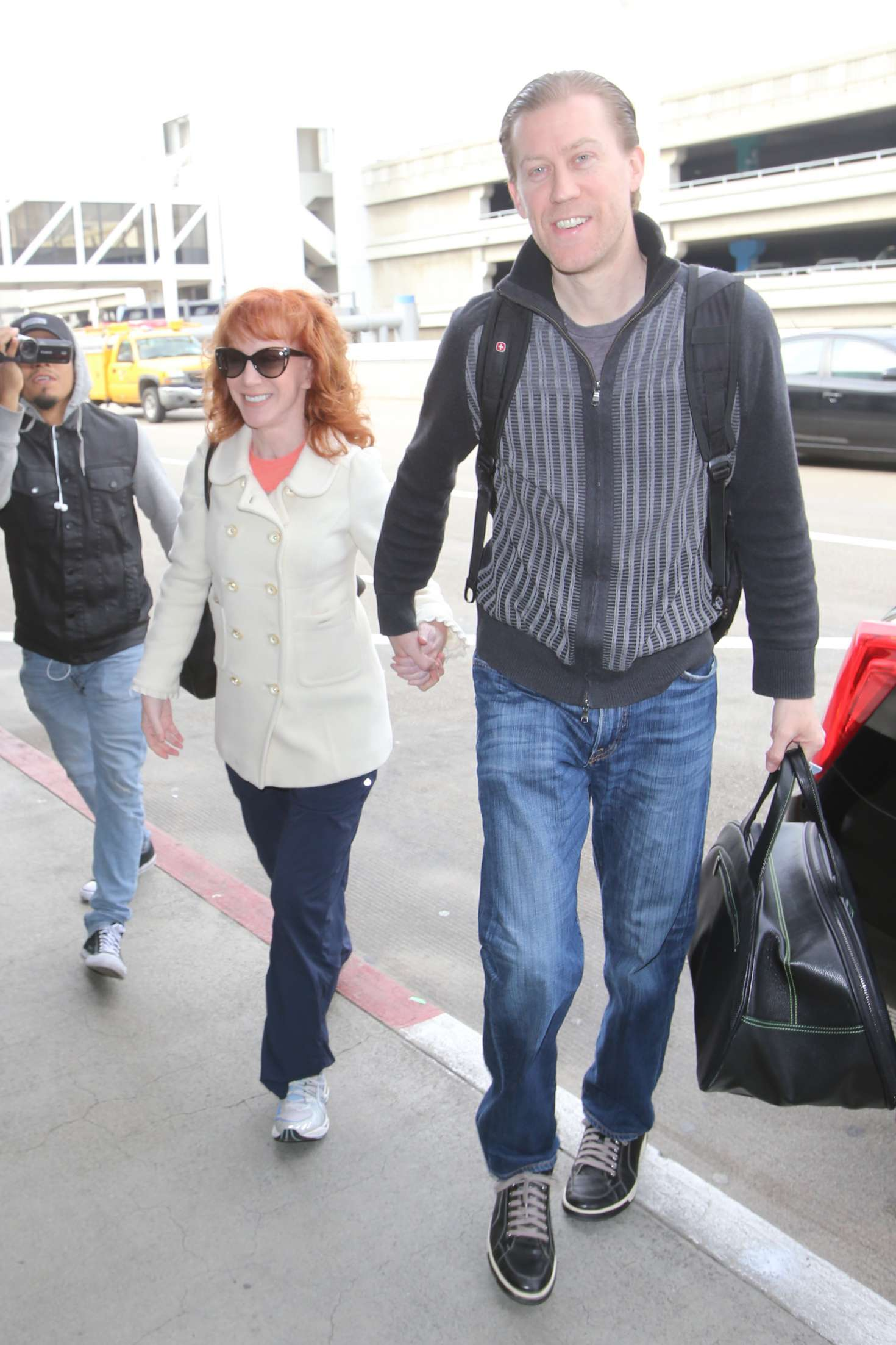 Kathy Griffin 2017 : Kathy Griffin: Arrives at LAX Airport -07