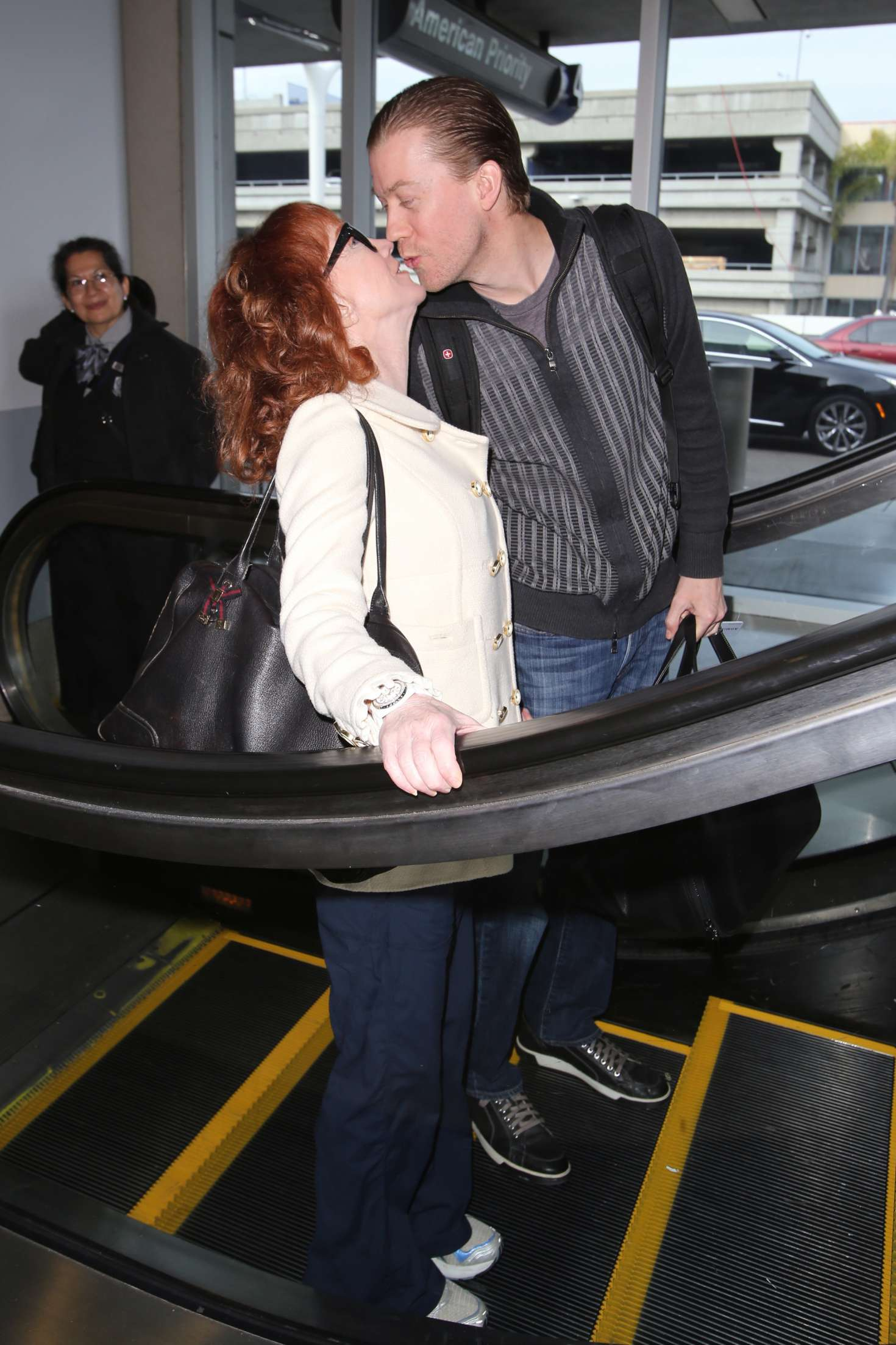 Kathy Griffin 2017 : Kathy Griffin: Arrives at LAX Airport -10