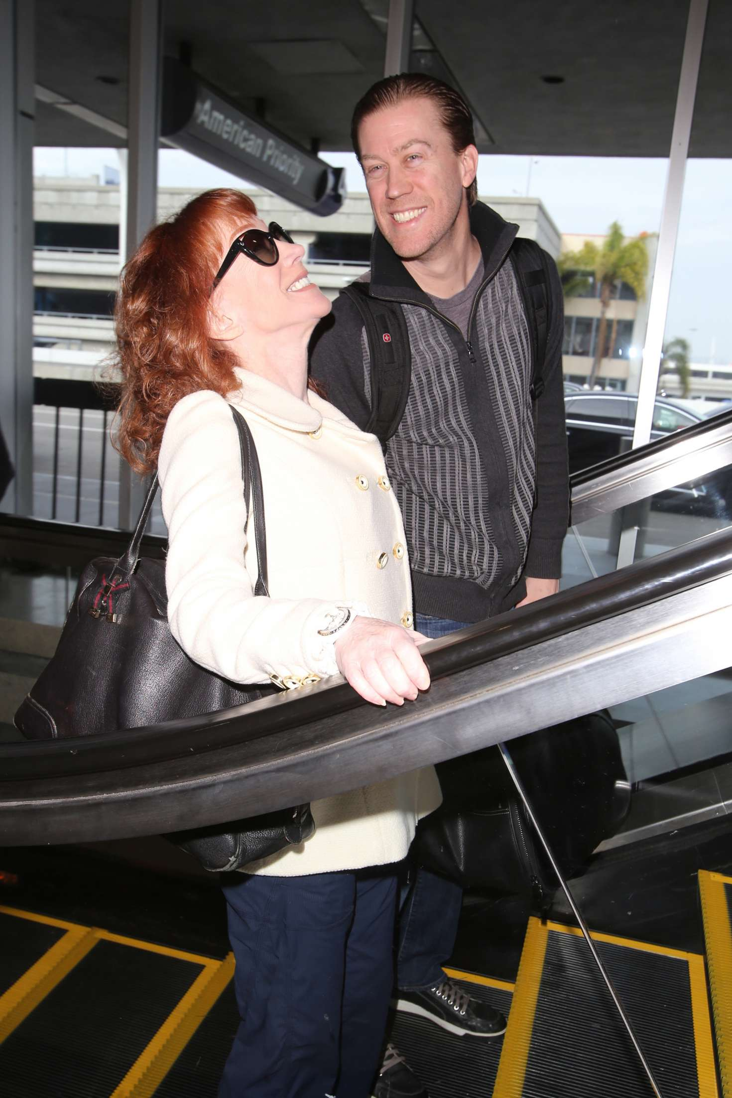 Kathy Griffin 2017 : Kathy Griffin: Arrives at LAX Airport -13