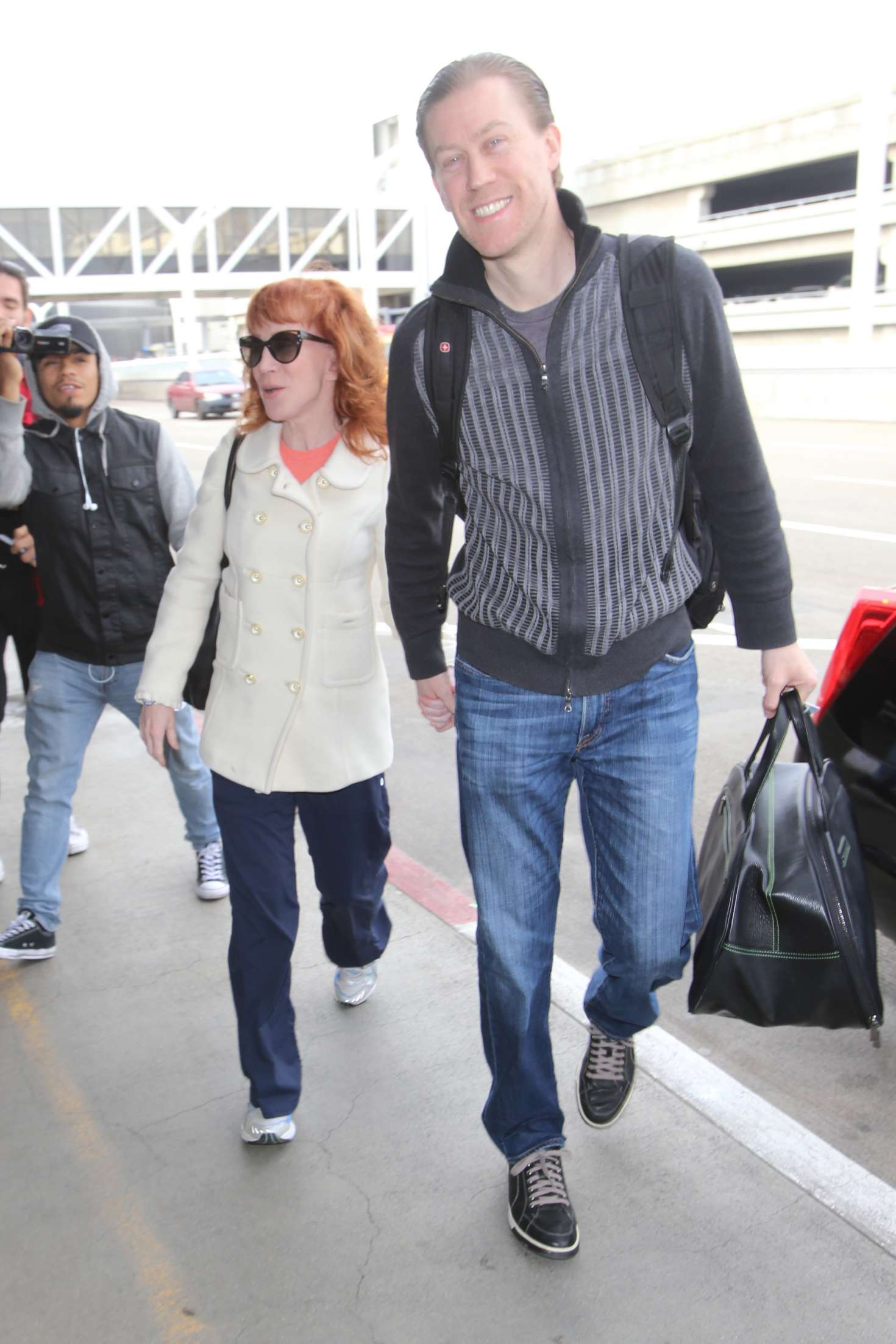 Kathy Griffin 2017 : Kathy Griffin: Arrives at LAX Airport -20