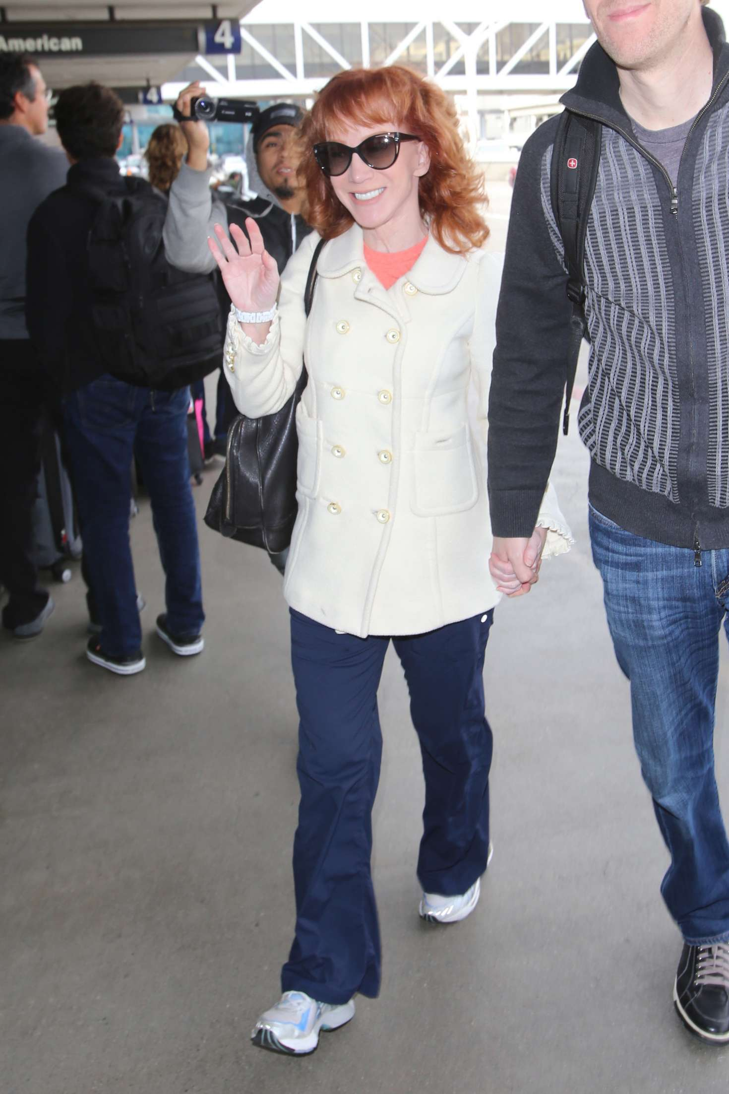 Kathy Griffin 2017 : Kathy Griffin: Arrives at LAX Airport -21