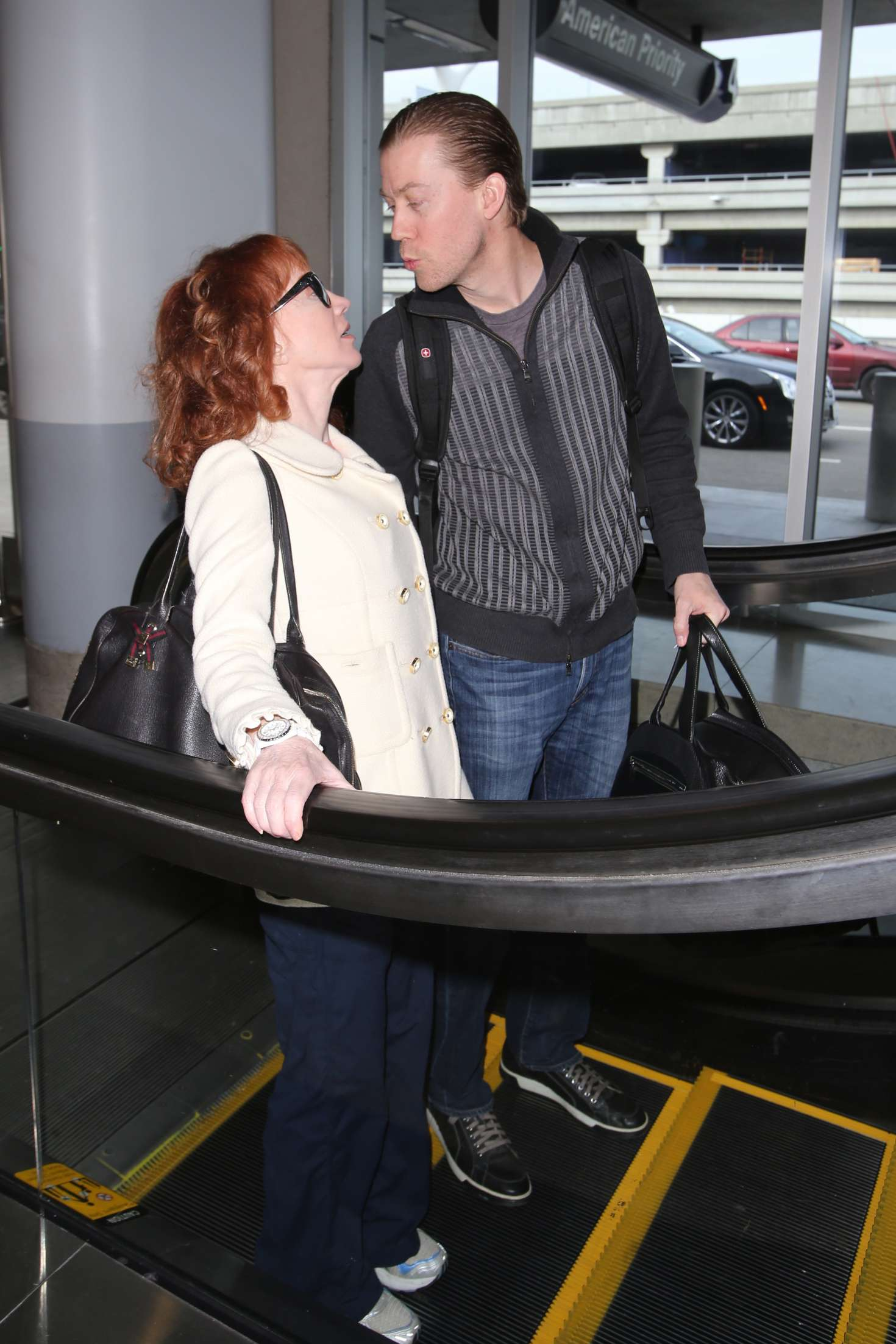 Kathy Griffin 2017 : Kathy Griffin: Arrives at LAX Airport -22