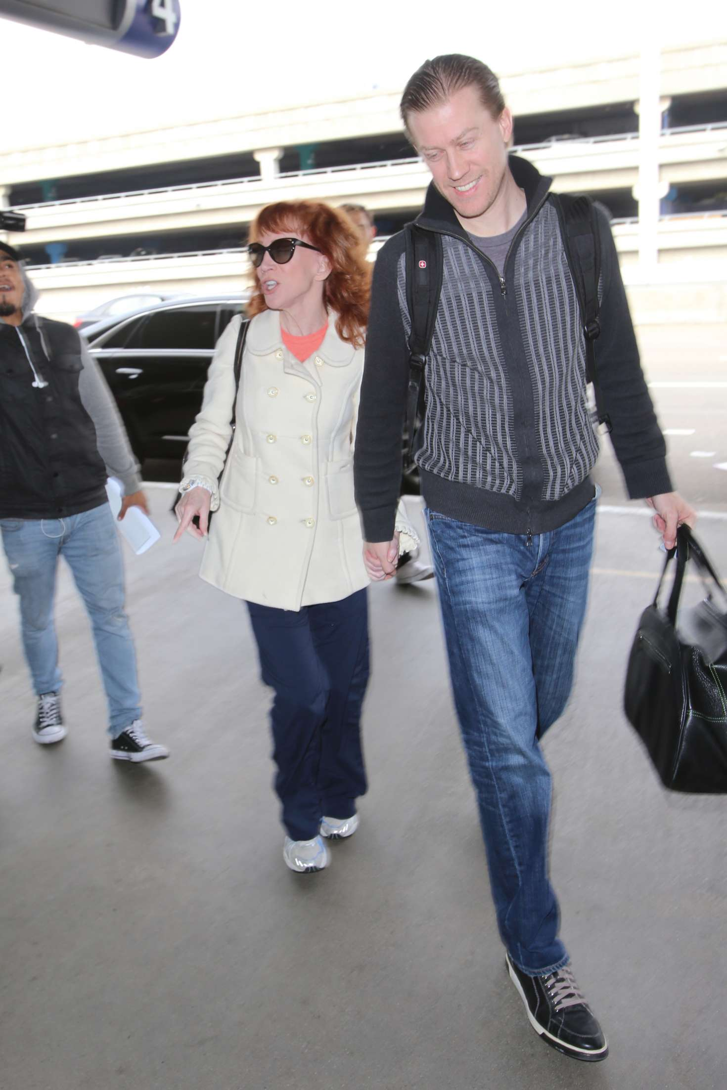 Kathy Griffin 2017 : Kathy Griffin: Arrives at LAX Airport -27