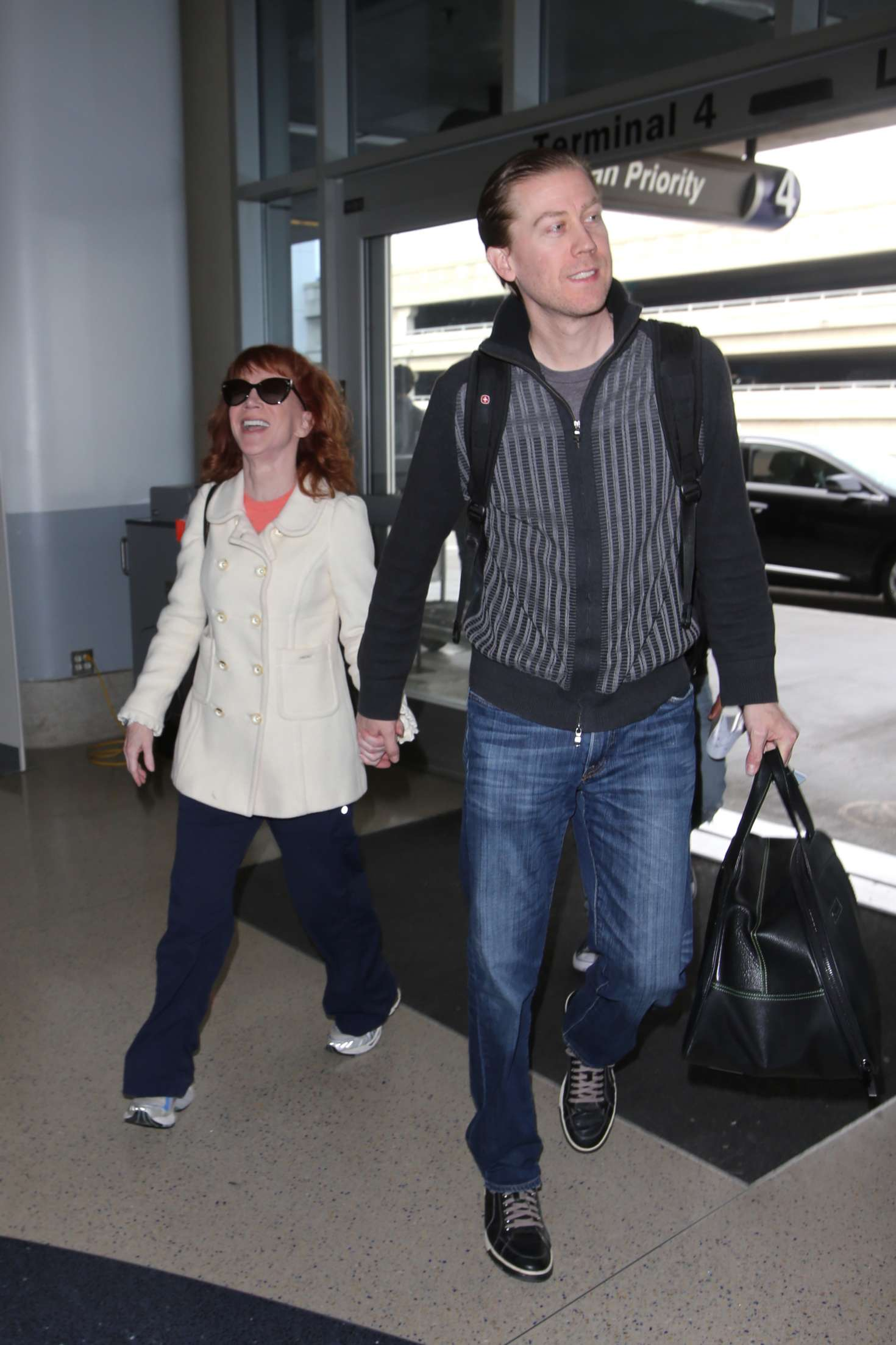 Kathy Griffin 2017 : Kathy Griffin: Arrives at LAX Airport -28