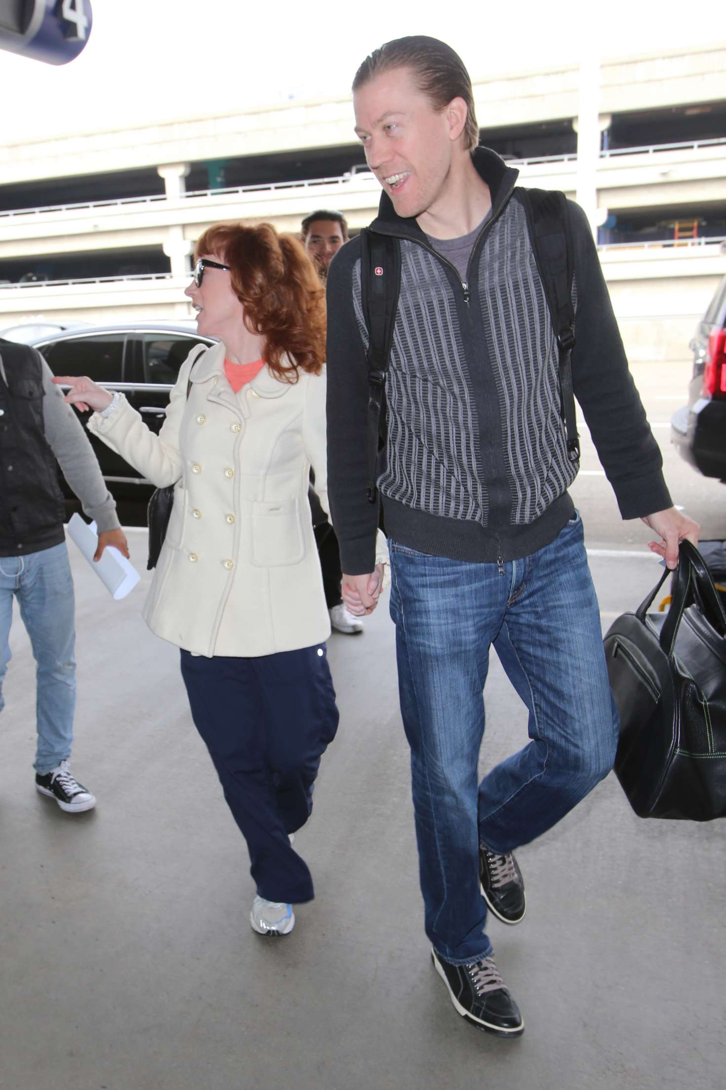 Kathy Griffin 2017 : Kathy Griffin: Arrives at LAX Airport -29