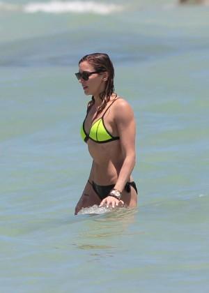 Katie Cassidy in Bikini -42