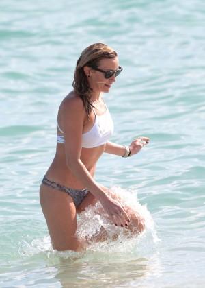 Katie Cassidy in Bikini -07