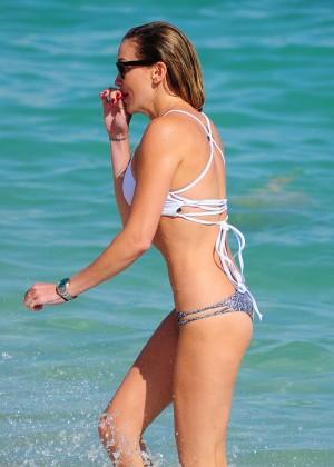 Katie Cassidy in Bikini -10