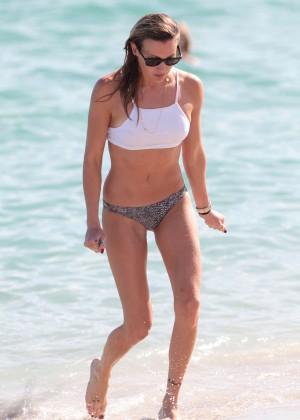 Katie Cassidy in Bikini -17