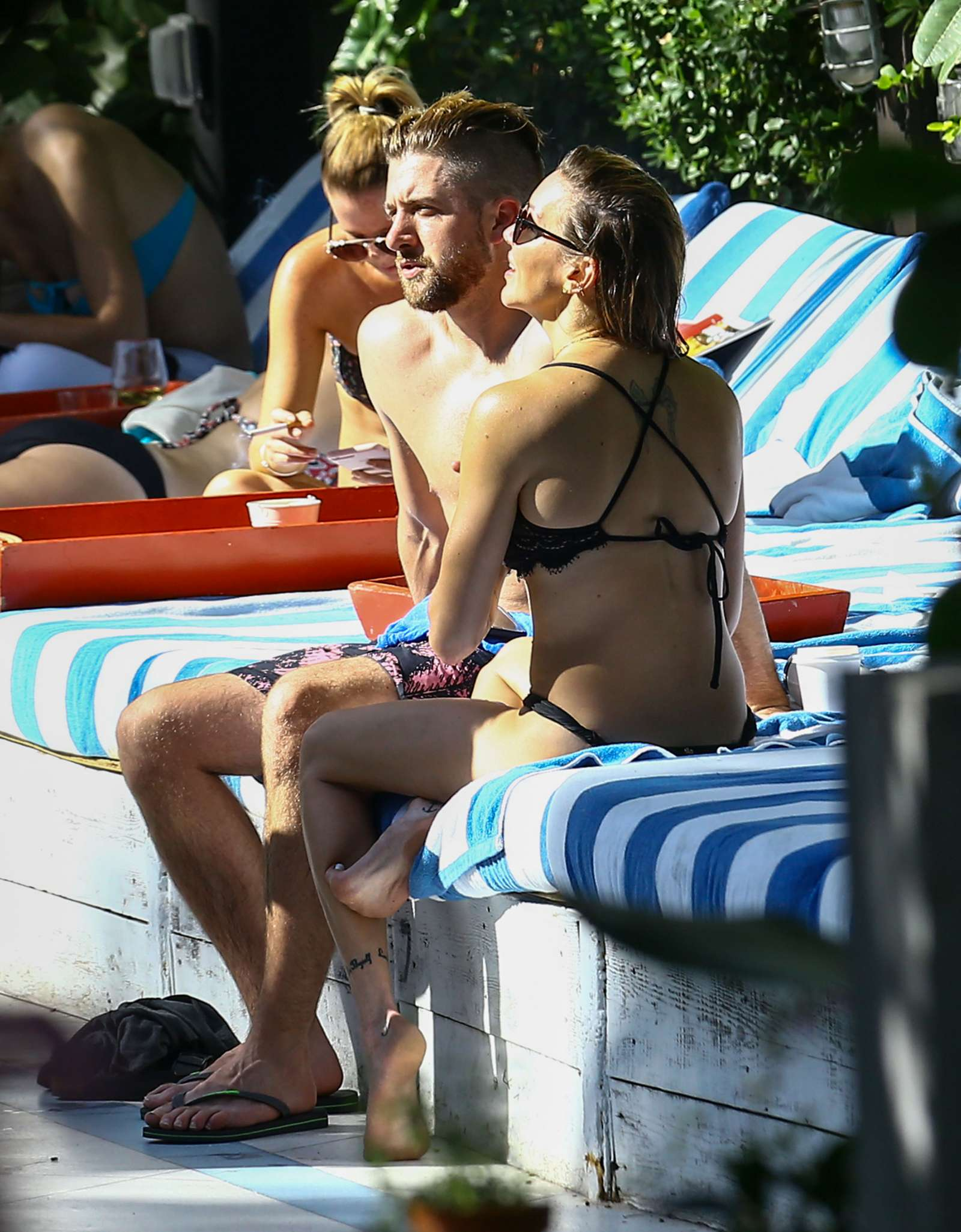 Katie Cassidy in Black Bikini at the pool in Miami   Katie-Cassidy-in-Black-Bikini-2016--03