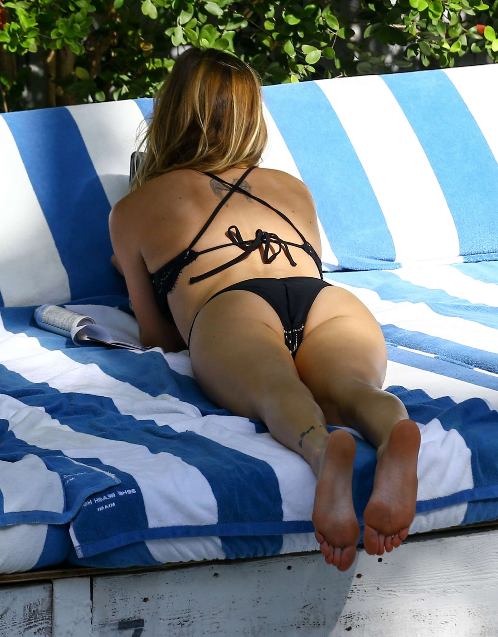 Katie Cassidy in Black Bikini at the pool in Miami   Katie-Cassidy-in-Black-Bikini-2016--06