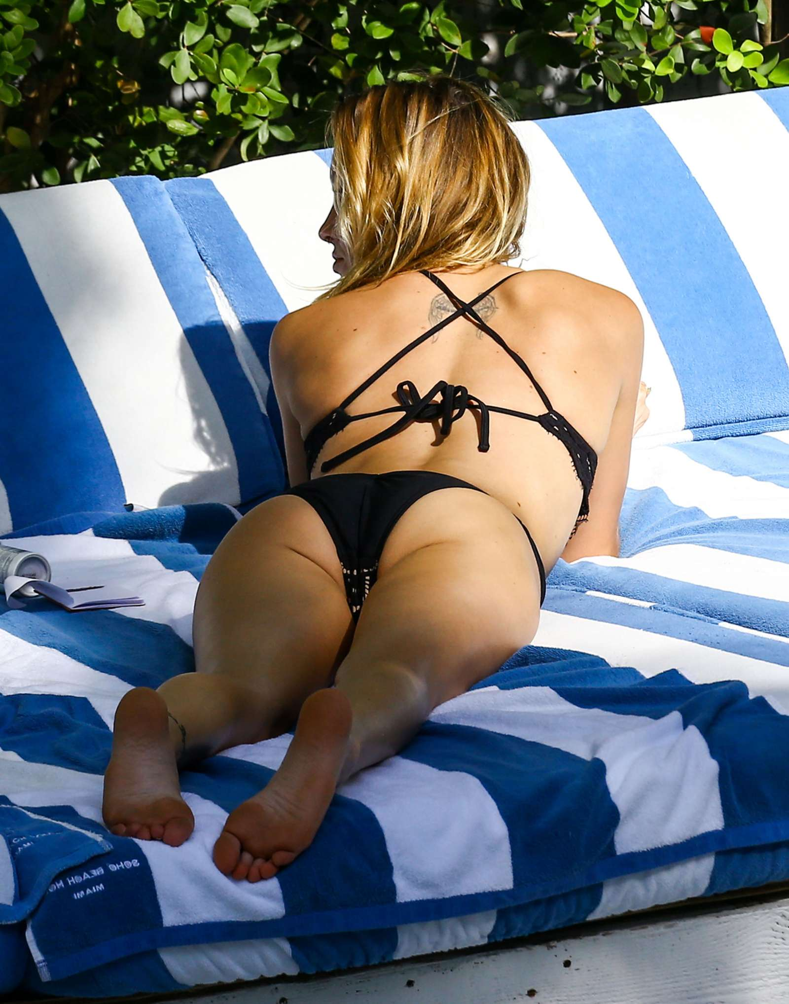Katie Cassidy in Black Bikini at the pool in Miami   Katie-Cassidy-in-Black-Bikini-2016--10