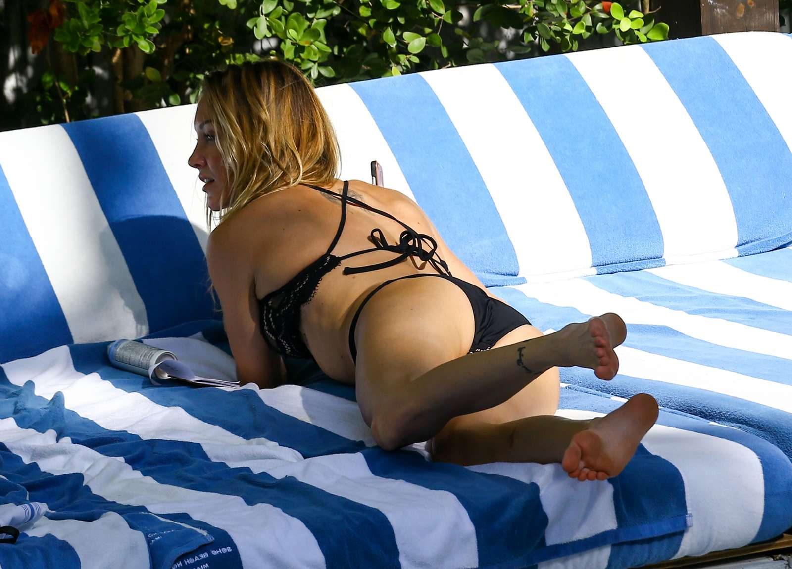 Katie Cassidy in Black Bikini at the pool in Miami   Katie-Cassidy-in-Black-Bikini-2016--19