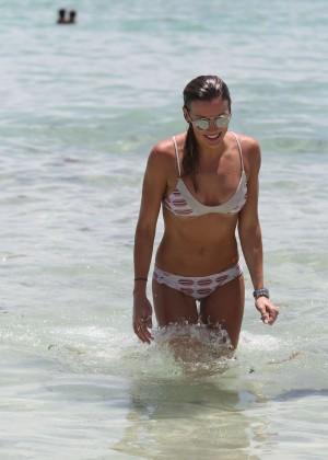 Katie Cassidy in Bikini -09