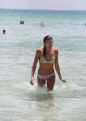 Katie Cassidy in Bikini -13